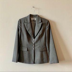 Tahari ASL size 6 gray blazer